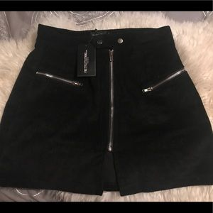 PrettyLittleThing Skirts - NWT PrettyLittleThing Black Zip Up Cord Skirt